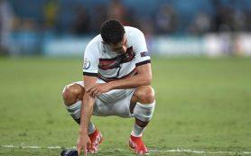 Португалия сложила чемпионские полномочия, но Роналду больше не плачет